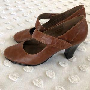 Aerosoles Light Brown Leather Heels